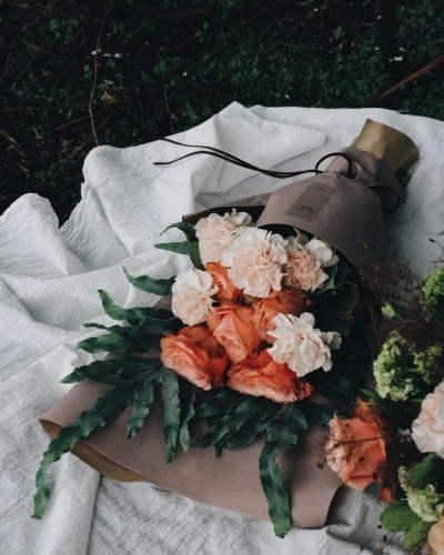 Wanita Pecinta Bunga Yang Hidup Tanpa Bunga